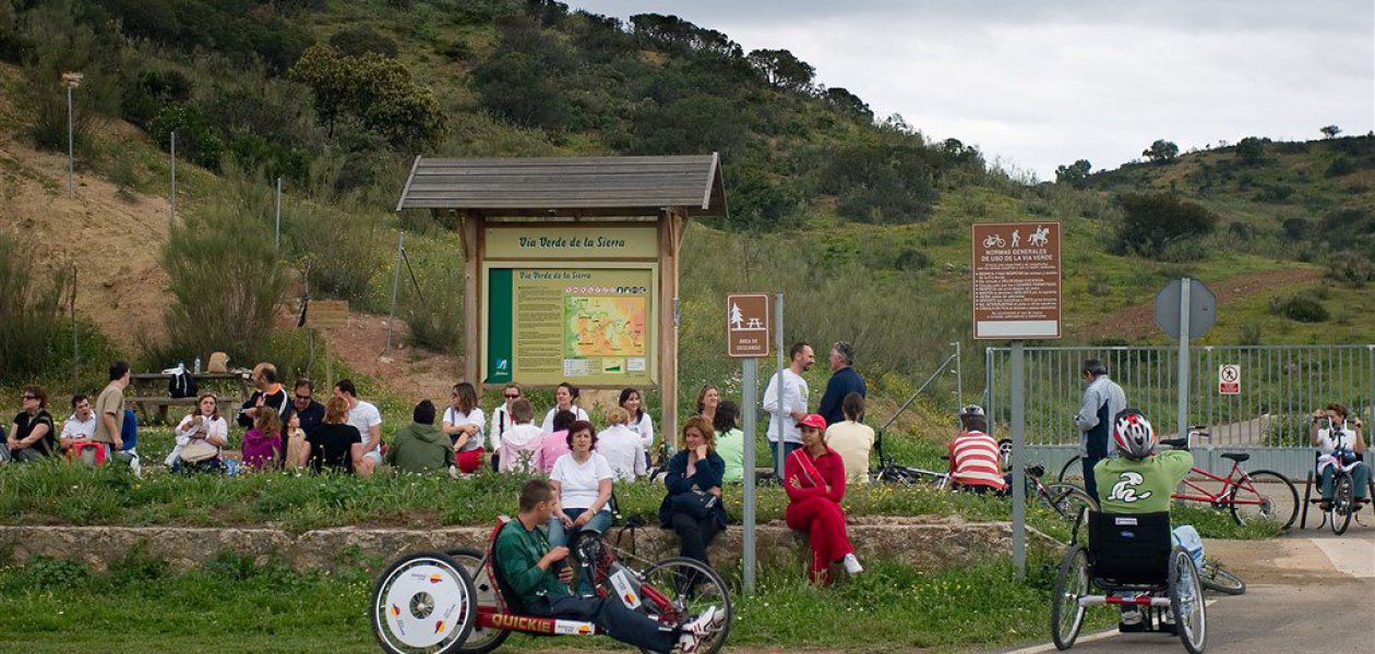 """""""Local Accessibility Agreement"""" for La Sierra Greenway and Ecopista do Dao"""
